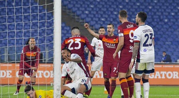 Pagelle Roma-Cagliari, Karsdorp è imprendibile, Dzeko fa 200 in carriera. Il solito Joao Pedro
