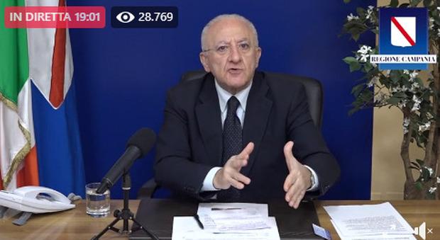 De Luca: «Campania in zona gialla non sia una ricreazione o si richiude tutto»