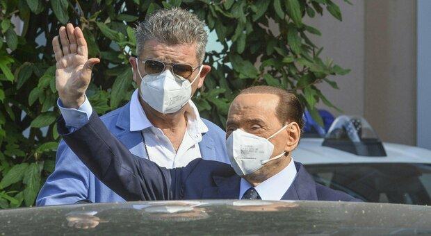 Silvio Berlusconi ricoverato in ospedale: «Non stava bene». Terapie per superare gli strascichi del Covid