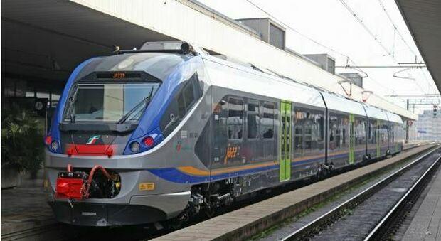 Pugni e minacce di morte sul treno per Pescara: un arresto