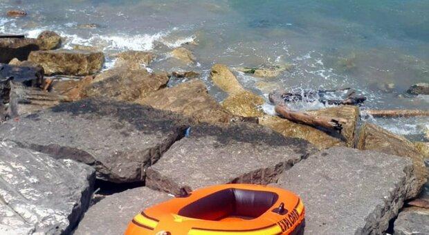 Vieste, morta una bambina che si era persa in mare: è stata ritrovata sotto una scogliera