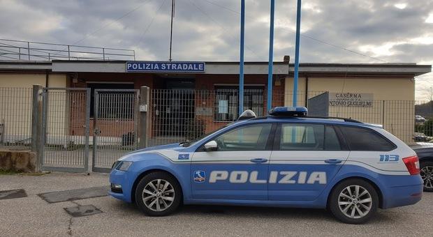 Tamponamento a catena sulla A1 tra Attigliano e Fabro. Senza patente e senza assicurazione auto, nei guai 25enne