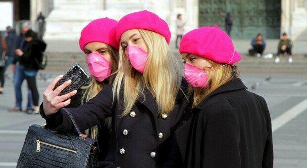 Covid, le donne più rispettose delle regole: ecco perché si ammalano di meno