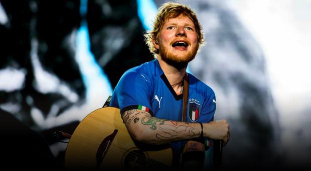 """Ipswich Town, sarà Ed Sheeran il nuovo sponsor societario: """"È il mio modo di mostrare sostegno alla comunità"""""""