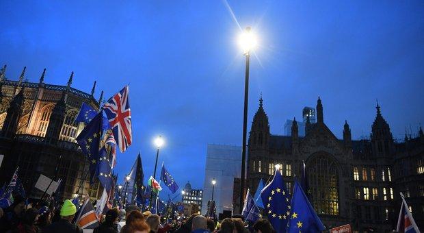 Brexit bocciata: per Theresa May e l'Inghilterra è una Caporetto
