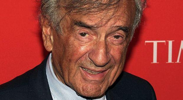 Morto Elie Wiesel, Nobel per la pace e sopravvissuto alla Shoah