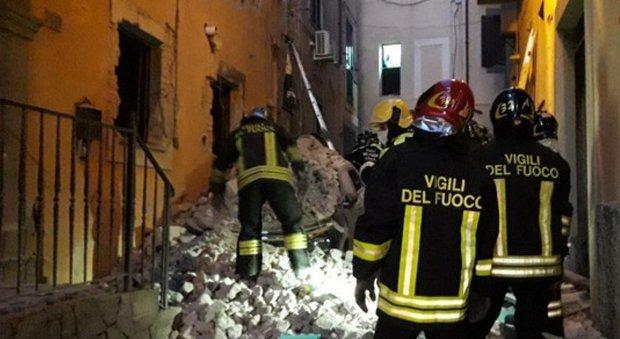 Roma, esplosione a Marino: morta la donna ferita nel crollo