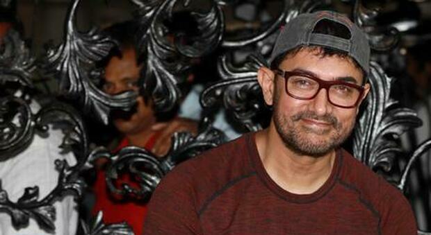 Crescono i contagi a Bollywood, anche la star Aamir Khan è positiva. In India 50mila casi al giorno