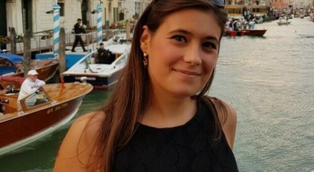 Treviso, ragazza accoltellata da un 15enne è cosciente e parla con i genitori