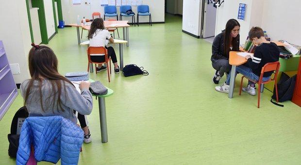 Scuola, le lezioni inizierano il 14 settembre. Azzolina: «Giovedì le linee guida per il rientro»