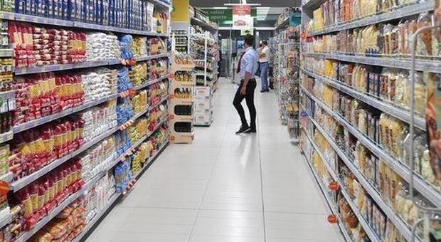 Cibi pericolosi: da Ikea a Esselunga a Citterio, l'elenco di lotti e prodotti ritirati dagli scaffali