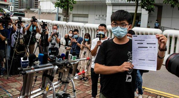 Hong Kong, arrestato l'attivista Joshua Wong: «È un abuso, io non mi arrendo»
