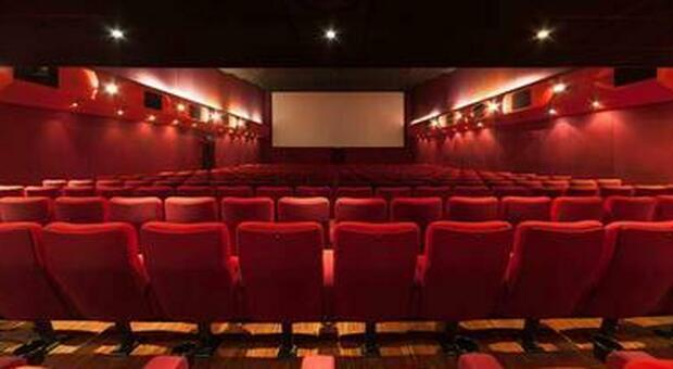 Cinema, il Covid non ha fermato la produzione in streaming ma si deve riportare il pubblico in sala