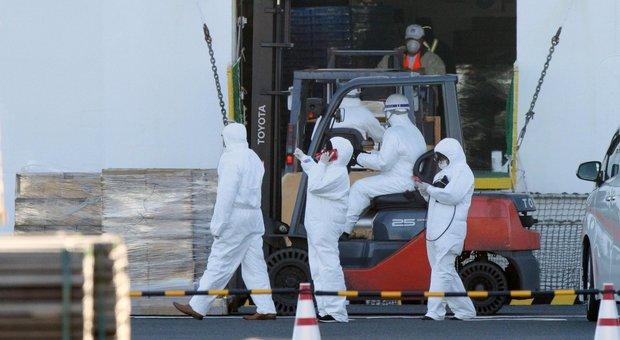 Coronavirus, caso sospetto tra i 56 ricoverati alla Cecchignola. Nave in quarantena, 35 gli italiani