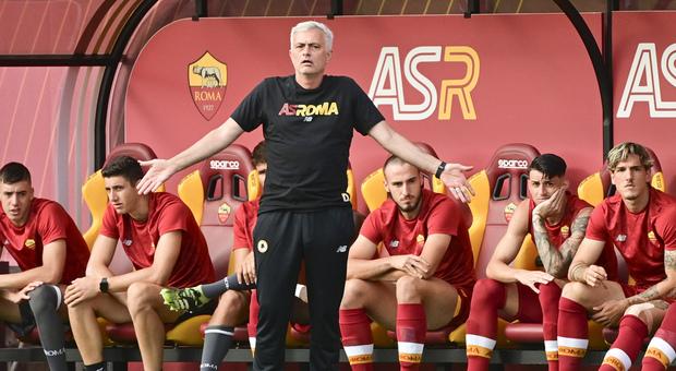 La Roma batte il Montecatini 10-0: Zaniolo in campo 45' e fa gol. Ecco la prima formazione di Mourinho