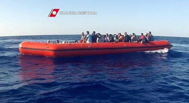 Migranti, nel 2016 record di sbarchi: sono già 153mila. Solo oggi oltre 4mila