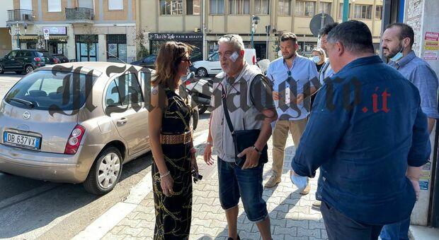 Al centro, Massimo Gibbini, alla sua destra, Annalisa Muzio