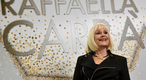 """Raffaella Carrà, da """"Tuca Tuca"""" a """"Tanti auguri"""": le canzoni più famose"""