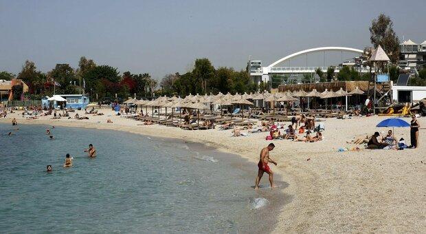 Grecia, 15 ragazzi di Pescara bloccati a Corfù in un Covid Hotel: 6 sono positivi