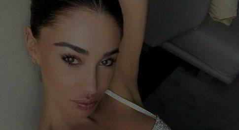 Belen Rodriguez mostra il pancione sui social: «Baby boom!»