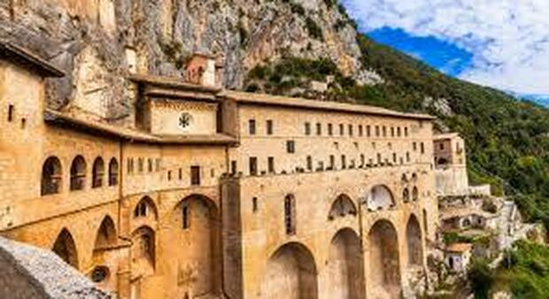 """Uno dei simboli di Subiaco, la cittadina dove San Benedetto da Norcia dettò la regola: """"Ora et labora"""""""