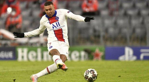 Bayern Monaco-Psg 2-3: sotto la neve è Mbappé a piegare i campioni d'Europa in carica