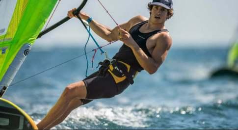 Mattia Camboni primo nel windsurf dopo 6 prove. Marta Maggetti quarta nel femminile