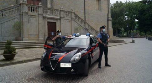 Accoltella il rivale dopo la lite: arrestato dai carabinieri di Città di Castello. La vittima è in gravi condizioni