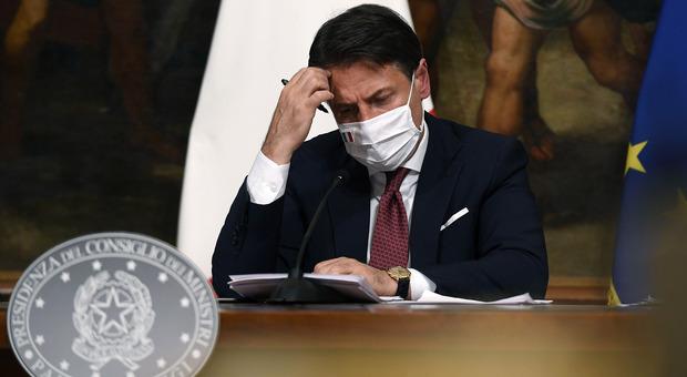 Denunce sulla gestione Covid, avviso di garanzia per Giuseppe Conte e altri 6 ministri