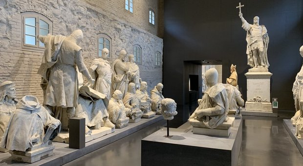 Statue sotto tiro, a Berlino c'è un museo per quelle abbattute. La star è Lenin, ecco tutte le altre
