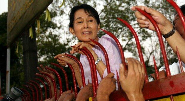 Gran Bretagna: «La giunta militare birmana rilasci Aung San Suu Kyi»