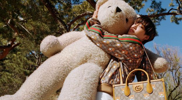 Gucci torna all'infanzia con gli orsacchiotti di peluche e si affida alla star del K-pop Kai per la sua nuova collezione