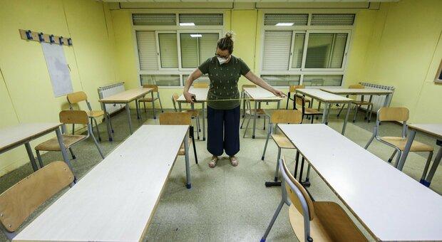 Roma, niente distanze a mensa: i bimbi mangeranno in classe