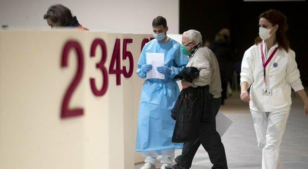 Covid Lazio, bollettino oggi 17 febbraio 2021: 871 nuovi casi e 55 morti. Roma sotto quota 400. Sale l'Rt