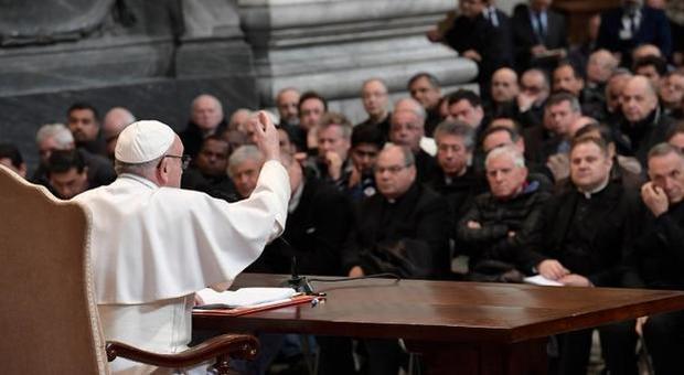 Da oggi a Roma il summit dei preti sposati: pressing sul Papa per l'abolizione del celibato