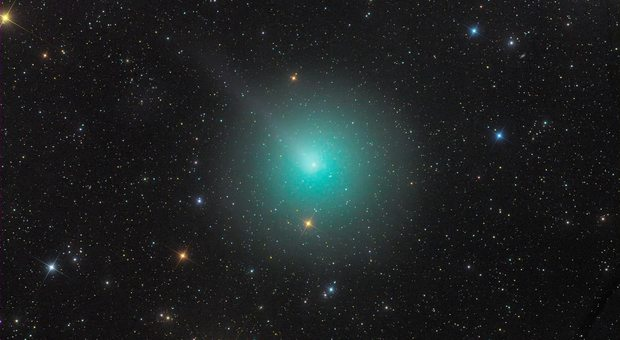 Cometa di Natale già visibile a occhio nudo, ecco dove e come osservarla