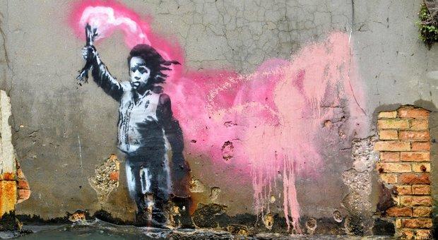 immagine Banksy conferma la presenza a Venezia: il murale della bambina è suo