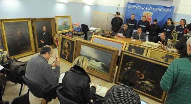 Maxi furto di opere d 39 arte la mobile di pescara recupera for Scuola di moda pescara