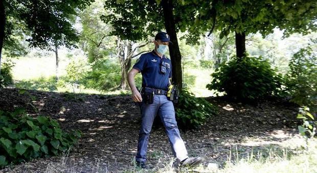Stuprata al parco a Milano, violentatore preso grazie al Dna: è un senegalese senza fissa dimora