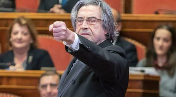 """Riccardo Muti, gli 80 anni festeggiati dal """"suo"""" conservatorio insieme agli ex allievi"""