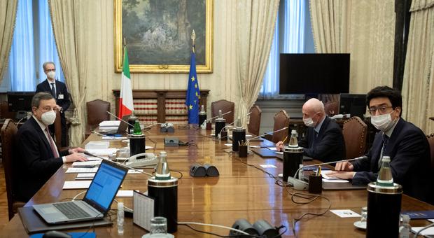Governo diretta, da oggi secondo giro di consultazioni per Draghi. Salvini: «Veti irrispettosi»