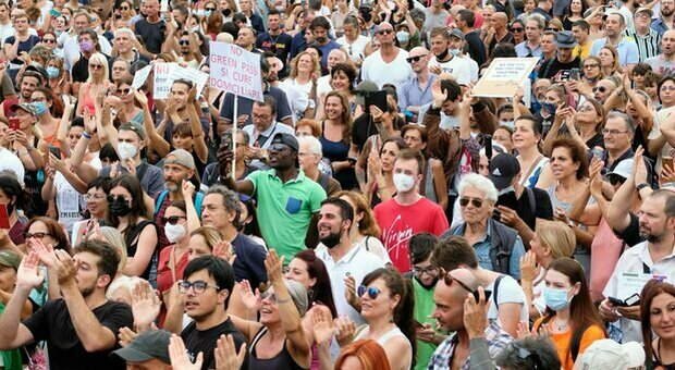 Green Pass, Lamorgese: «Manifestazioni non autorizzate, non c'è nessuna dittatura sanitaria»