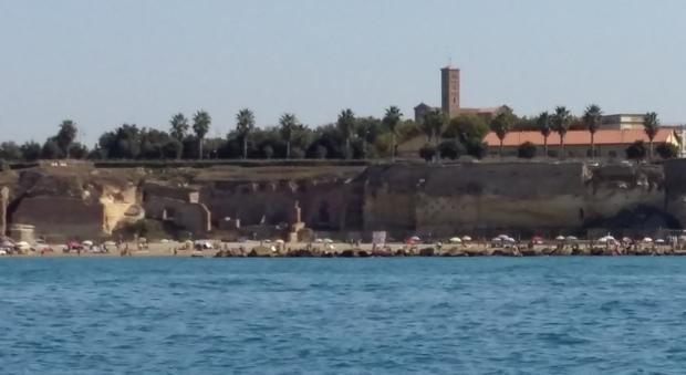 Un'immagine del palazzo imperiale visto dal mare