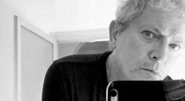 Morto a 62 anni Efrem Raimondi, il fotografo delle star e di Vasco Rossi
