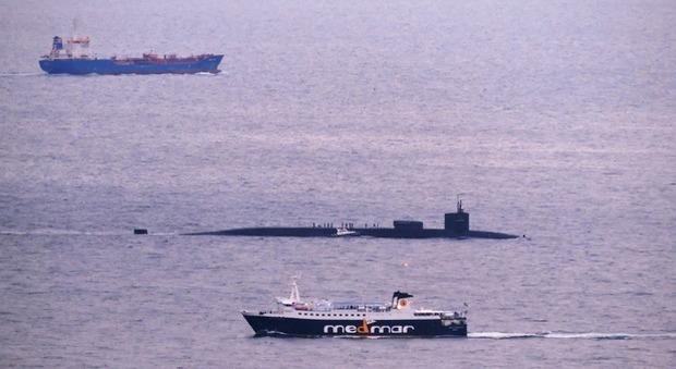 Sottomarino nucleare Usa a Napoli: tornava dalla Siria, ira De Magistris