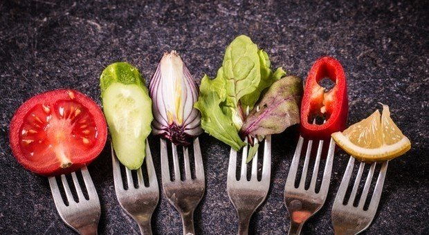 Dieta chetogenica, funziona solo se dura poco: dopo una settimana effetti negativi sull'organismo