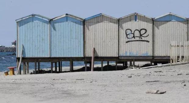 Spiagge, in cabina solo tra parenti: ecco le raccomandazioni degli scienziati