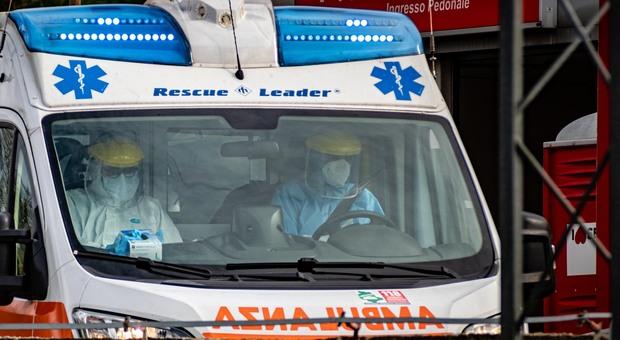 Salerno, Raffaele muore a 17 anni stroncato da bronchite: il tampone è negativo