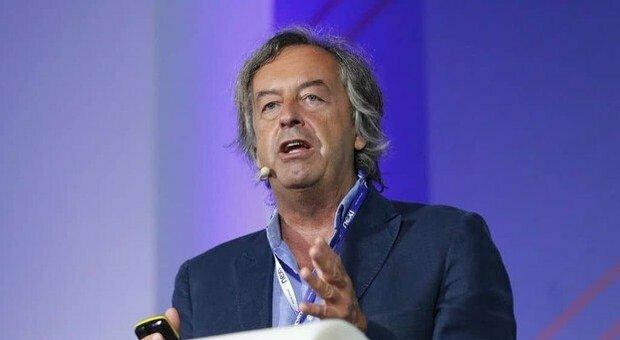 Vaccino Covid, Burioni: «Pfizer spieghi i ritardi, la fiducia si basa sulla trasparenza»