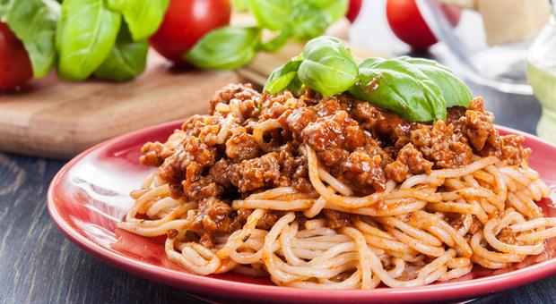 Ricette Spaghetti Bolognese.Spaghetti Alla Bolognese La Battaglia Del Sindaco Merola Contro Il Piatto Inesistente E L Ambasciata Usa